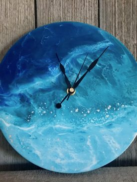 Aleutia- Intimidatingly Cold Waters as Clock (Resin Pour Painting)